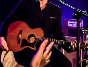 Josh Homme's Rare Acoustic Set Bewitches at Benefit Performance