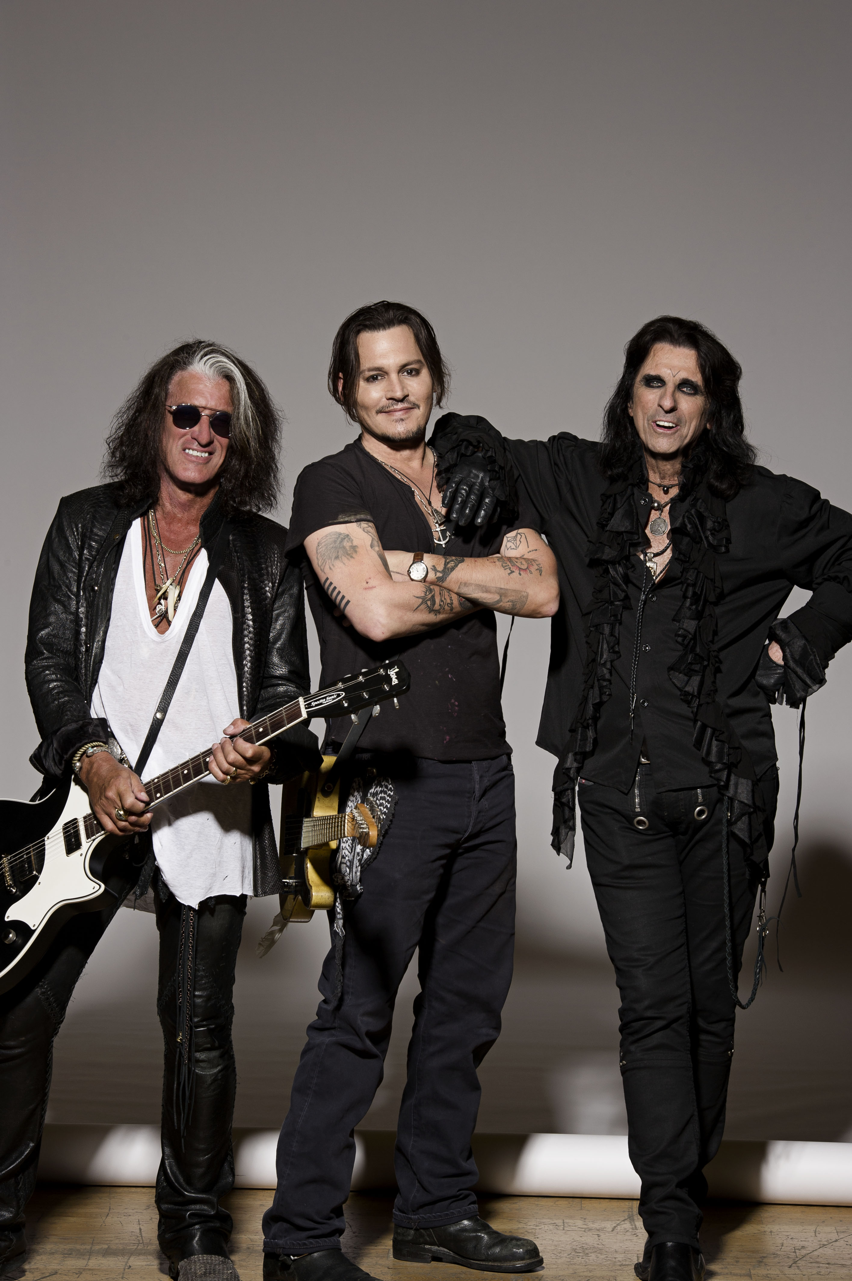 the hollywood vampires rise again through the lens. Black Bedroom Furniture Sets. Home Design Ideas